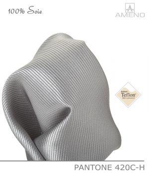 Pochette de costume 100% Soie, Gris clair, Doux au toucher, Carré 25 x 25 cm