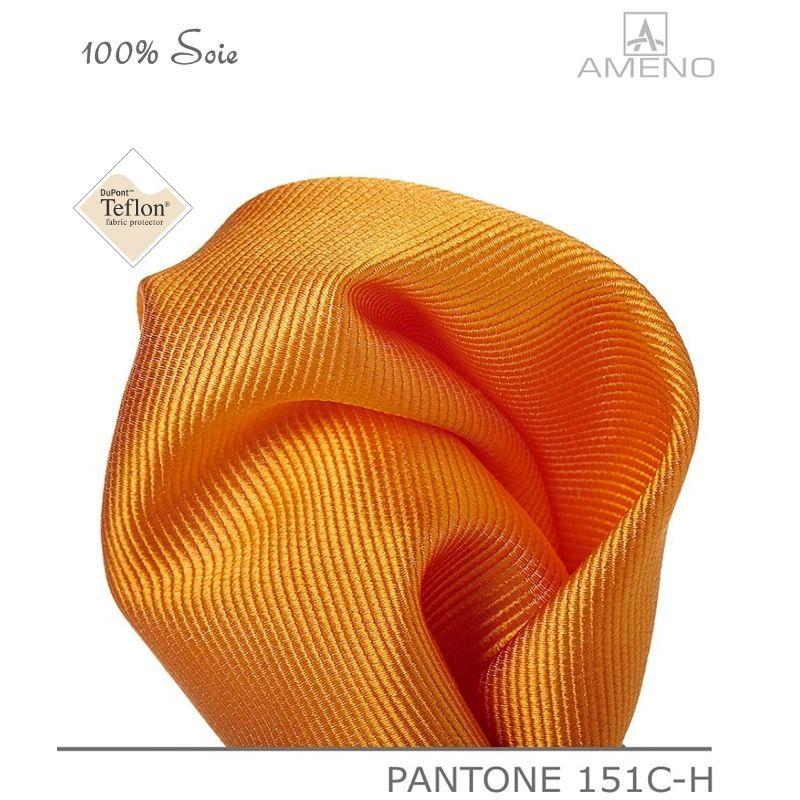 pochette de costume 100 soie orange doux au toucher carr 25 x 25 cm. Black Bedroom Furniture Sets. Home Design Ideas