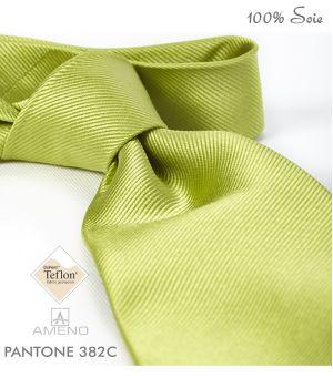 Cravate 100% Soie, Vert chartreuse, Doux au toucher, Traité anti taches, Largeur 7 cm