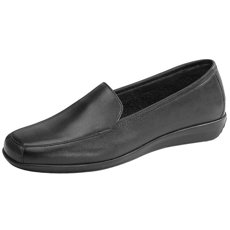 fd55b2556310 Chaussures confortables pour personnel de service