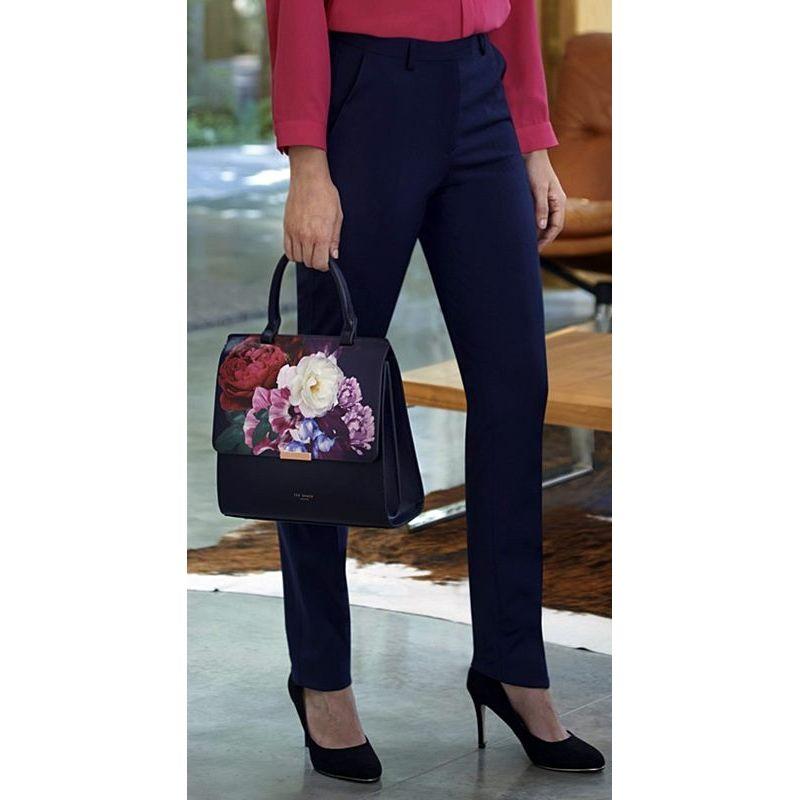 pantalon-femme-coupe-slim-chic-et-raffine-polyester-laine-et-lycra.jpg 9397ca02a1d