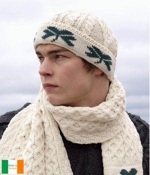 Magnifique Bonnet Irlandais, 100% Laine Merinos, Ecru avec Trèfle vert